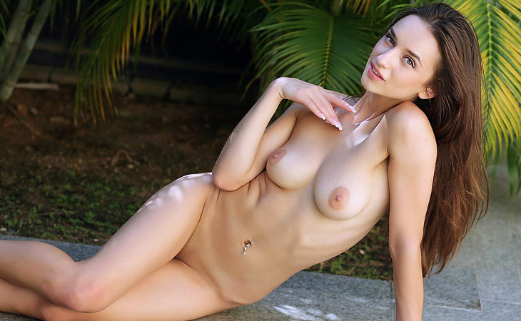 Gloria Sol Firm Nude Beauty