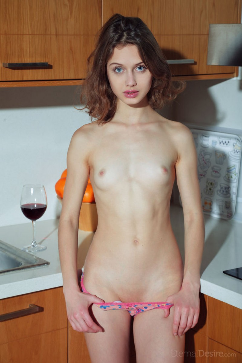 Clarice A Naked in the Kitchen