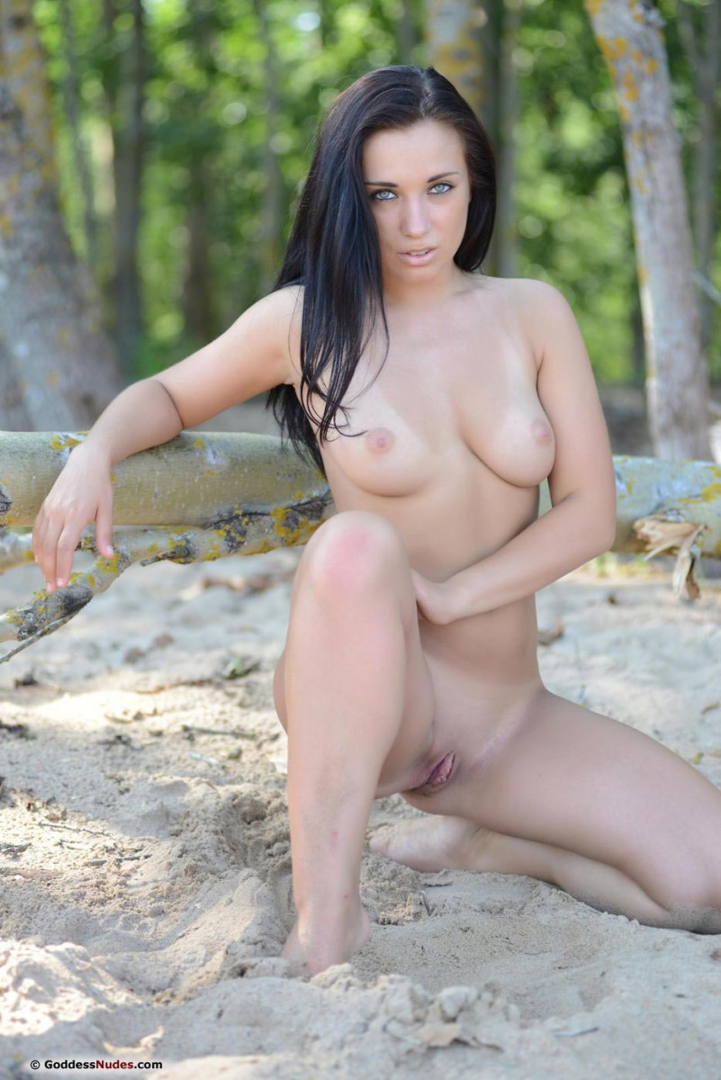 Friski Naked at the Beach