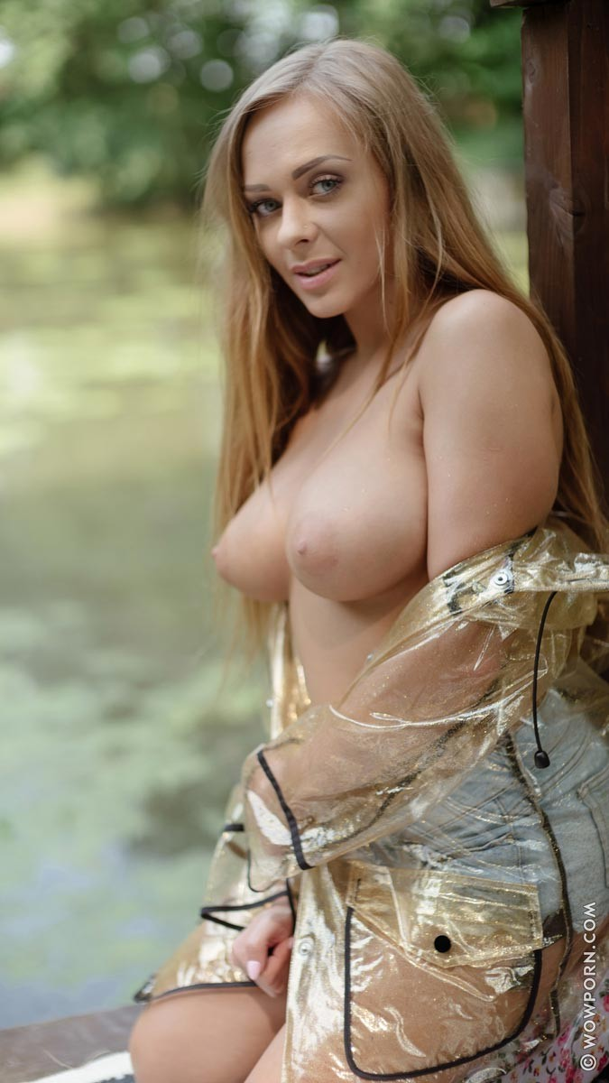 Katarina Muti Shows Tits in the Park
