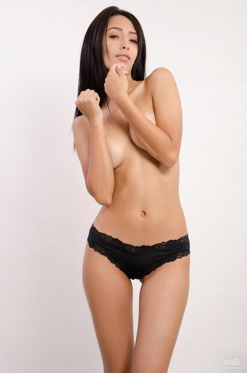Nella A Naked Colombian Babe