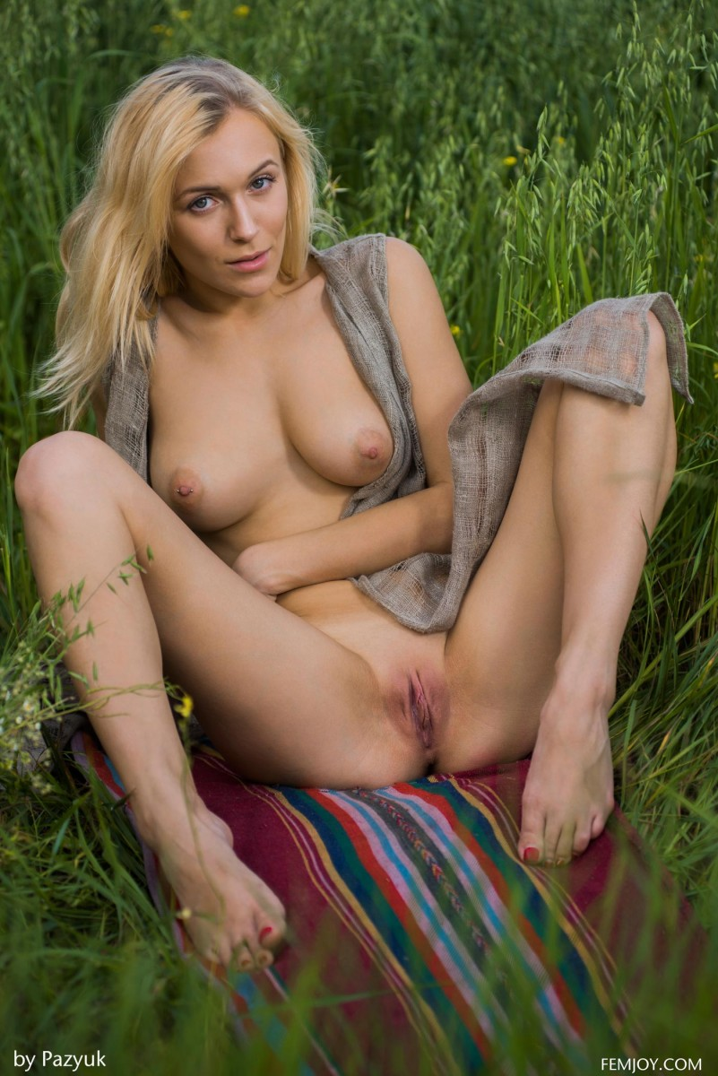 Vika P Teasing Nude in the Big Outdoors